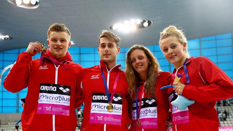 adam-peaty-chris-walker-hebborn-swimming-team_3471332.jpg